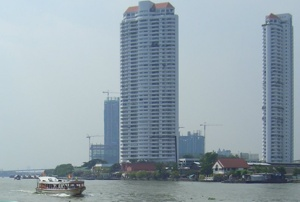 Bangkok Chao Phraya River Boat-bus - Image © Miguel Major